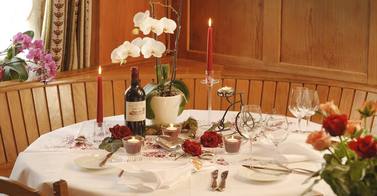 Lovetisch für einen schönen romantischen Abend zu Zweit